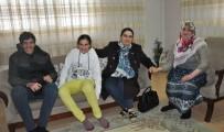 SERDAR ÖZKAN - Vali Yavuz'un Eşinden Engelli Ailelerine Ziyaret