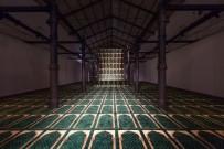 LATIN AMERIKA - Azerbaycanlı Sanatçı Faig Ahmed, El Yapımı Halıları İlginç Yöntemlerle Sanata Dönüştürüyor