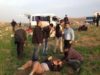 MEHMET ŞAHIN - Batman'da Trafik Kazası Açıklaması 1 Ölü, 10 Yaralı
