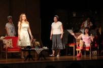 KIZ ARKADAŞ - Kadınların Dostluk Hikayesi Sahnede