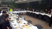 SABAH KAHVALTISI - Kaleci Onur'dan Takım Arkadaşlarına Kahvaltı