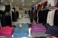 BEBEK ARABASI - Müşteri Olarak Geldiği Mağazadan Ürün Çaldı