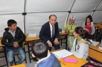 ABDULLAH ERIN - Vali Erin, Çadırda Öğretmenlik Yaptı