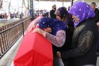 YENIKARPUZLU - Edirne'de İntihar Eden Asker Siverek'te Toprağa Verildi