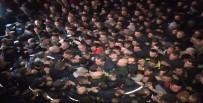 BIBER GAZı - Gürcistan'da Göstericiler Polisle Çatıştı Açıklaması 33 Yaralı