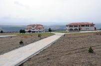 HEDİYELİK EŞYA - Vali Karadeniz, Doğa Kültür Köyünü İnceledi