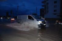 SEL BASKINI - Aşırı Yağışlar Silifkelileri Korkuttu