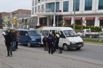 FEVZI ÇAKMAK - Bafra'da Trafik Kazası Açıklaması 2 Yaralı