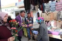 PAZARCI - Başkan Duymuş, Pazarı Gezdi Bayanlara Karanfil Dağıttı