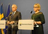 FRANSA DIŞİŞLERİ BAKANI - Fransa Dışişleri Bakanı, İsveç'te Mevkidaşı Valström İle Bir Araya Geldi