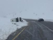 YOLCU TAŞIMACILIĞI - Kar Yağışı Kazalara Neden Oluyor