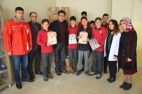 AHMET ÖZKAN - Kızılaydan Öğrencilere Kıyafet Desteği