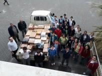 FEN BILIMLERI - Minik Eller Mülteciler İçin Yardım Topladı