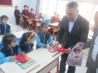 MUSTAFA KEMAL ÜNIVERSITESI - OMÜ Hatay'da Suriyeli Küçük Öğrencileri Kucakladı