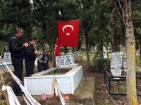 ASKERLİK ŞUBESİ - Salihli'de Komutanlar Şehit Ailelerinin Yanında