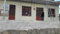MESUT ÖZAKCAN - Sıralılar Mahallesi Muhtarlık Binası Bakıma Alındı