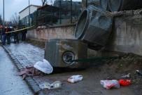 Yaşlı Çiftin Üzerine Beton Kanalizasyon Boruları Düştü Açıklaması 1 Ölü, 1 Yaralı