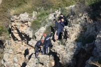 KALP MASAJI - 15 Yaşındaki Çocuk Falezlerden Düştü