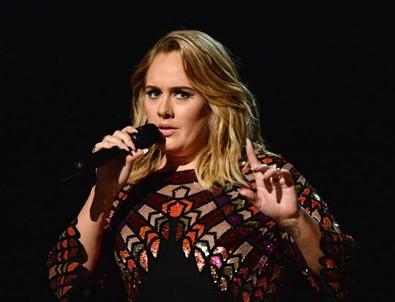 Adele'den gizli Twitter itirafı