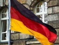DEMIR ÇELIK - Alman parlamentosundaki 2 Türk vekilden