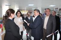Başkan Tutal'dan Sağlık Çalışanlarına Karanfil