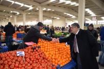SERKAN YILDIRIM - Başkan Yağcı Kapalı Pazar'da Referandumu Anlattı