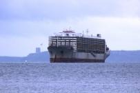 KARGO GEMİSİ - Çanakkale Boğazı'nda Arızalanan Gemi Güvenli Bölgeye Çekildi