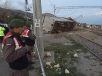VAGON - Demiryolu Tamir Aracı Devrildi Açıklaması 3 İşçi Hayatını Kaybetti