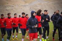 İRFAN BUZ - Evkur Yeni Malatyaspor'da İrfan Buz, Futbolcuları Uyardı