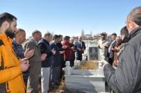 Gazeteci Daşdelen Mezarı Başında Anıldı