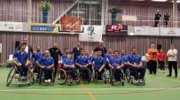 AZIZ KOCAOĞLU - İzmirli Sporcular Avrupa'da Gönülleri Fethetti