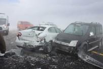 ERCIYES - Kayseri'de Zincirleme Trafik Kazası Açıklaması 15 Yaralı