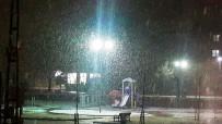 SAĞANAK YAĞMUR - Malatya'da Yoğun Kar Yağışı Etkili Oluyor