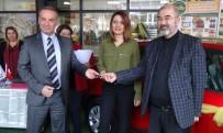 MARKET - Marketten 30 TL'lik Alışverişe Otomobil Kazandı