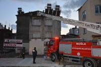ATATÜRK BULVARI - Ortaca'da Çatı Yangını