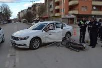 ESENTEPE - Otomobile Çarpan Motosikletin Sürücüsü Ağır Yaralandı
