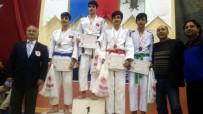KOCAPıNAR - Salihlili Judocular Karaman'dan Mutlu Döndü