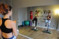 ÖZEL DERS - Spor Salonlarının Yerini Birebir Spor Alıyor