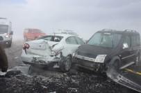 ERCIYES - Tipi Nedeniyle 6 Araç Birbirine Girdi Açıklaması 15 Yaralı
