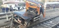 Trenle Kamyon Çarpıştı Açıklaması 3 Ölü