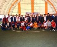 FUTBOL TURNUVASI - Turnuvanın Başlangıç Vuruşunu Atilla Yaptı
