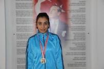 9. Sınıf Öğrencisi Avrupa Boks Şampiyonasında Türkiye'yi Temsil Edecek
