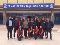 LOKMAN HEKIM - Adana Lokman Hekim Anadolu Lisesi Voleybol Kız Takımı Yarı Finaline Çıkmaya Hak Kazandı