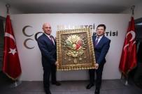 Başkan Subaşıoğlu'nden MHP İl Yönetimine Osmanlı Arması Hediyesi