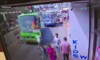 OTOBÜS ŞOFÖRÜ - Dikkatsizlik Ve Cep Telefonu Bağımlılığı Kazayla Bitti