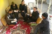 ÇIÇEKLI - Edremit Belediyesinin Ev Ziyaretleri Devam Ediyor