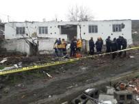 BAŞPıNAR - Ankara'da gecekondu çöktü: 1 ölü, 2 yaralı