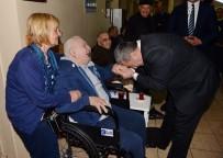 MUSTAFA ÇALIŞKAN - İstanbul Emniyet Müdürü Çalışkan'dan Huzurevine Ziyaret