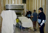 BELEDİYE ENCÜMENİ - Kumluca'da Fırın Ve Pastaneler Denetlendi