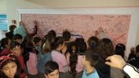 Okulda 'Düşünceni Dök Duvarı'